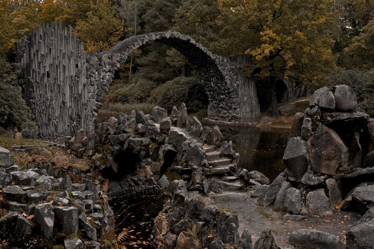 El Puente de Rakotzbrücke