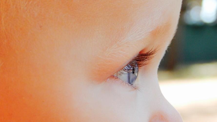 curiosidades de los bebes ojos