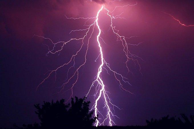 Hay tormentas de muchas clases e intensidades y hoy queremos hablar sobre las curiosidades sobre las tormentas eléctricas.
