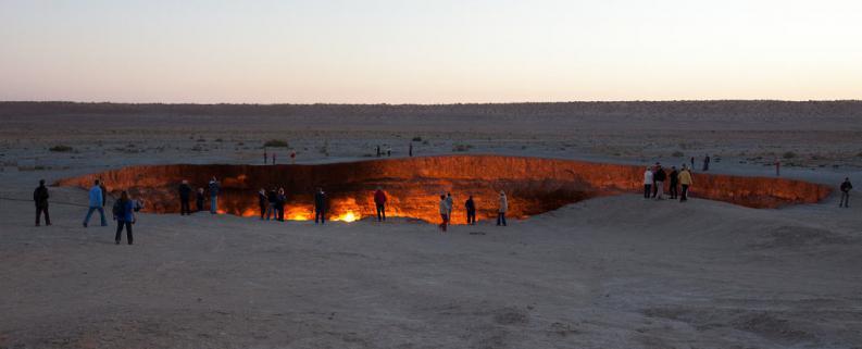 las-puertas-del-infierno-en-Turkmenistan-2